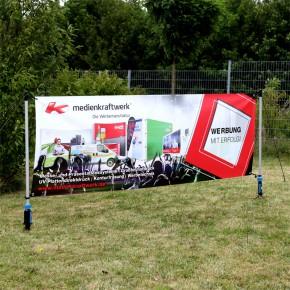 Outdoor Banner 3x1m mit Bodendübel