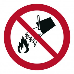 Verbotsschild Mit Wasser löschen verboten - P011