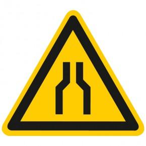 Warnschild Warnung vor Engstellen